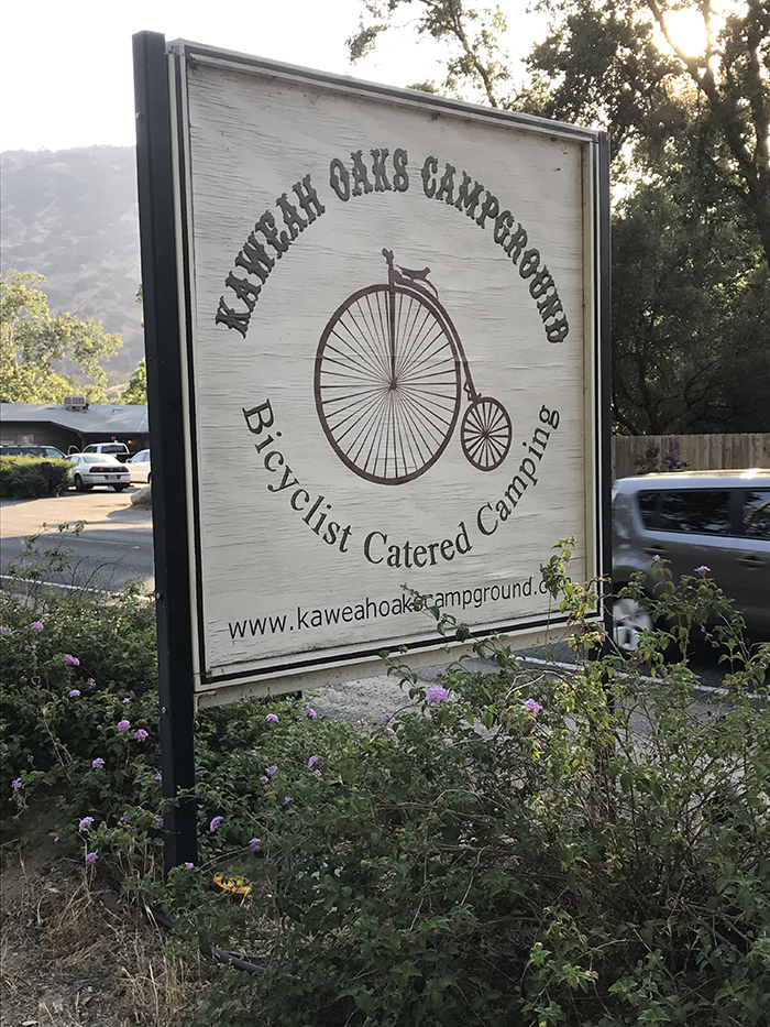 Kaweah Oaks Campground sign